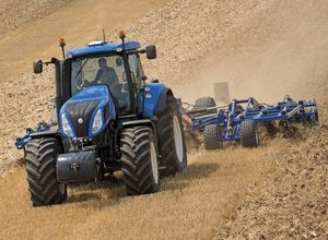 NEW HOLLAND T8 AUTO COMMAND™